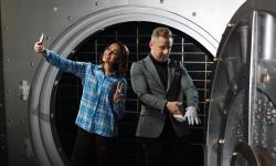 How do you play escape room the prison in Calgary?